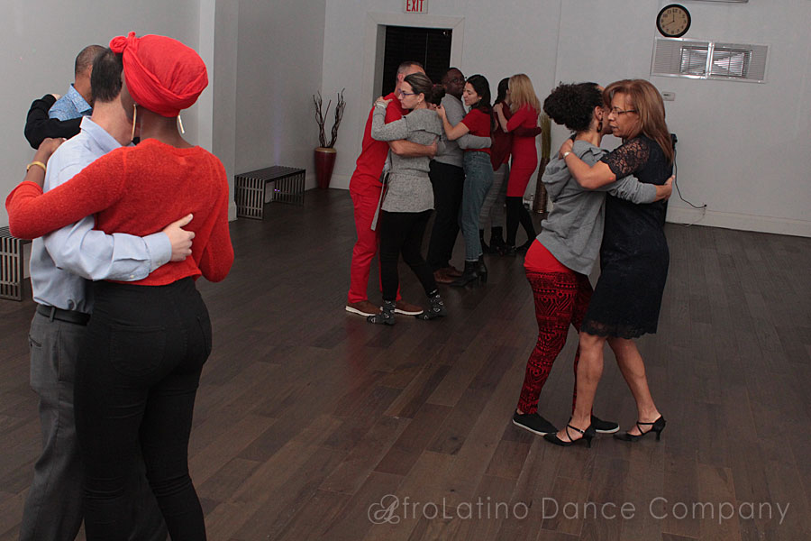 Toronto dance salsa lessons, kizomba classes, salsa & kizomba parties