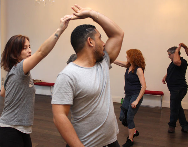 Toronto dance salsa group lessons